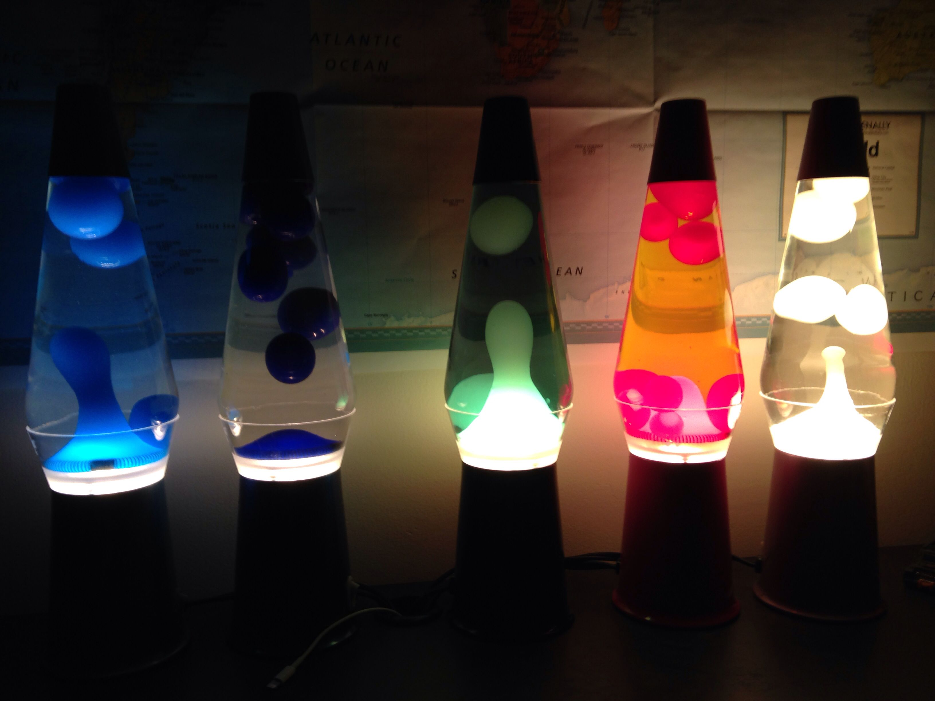 Lava lamp room - Five 14 5 Clearview Lava Lamps