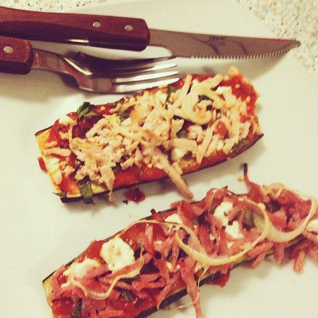 Photo taken by @louiselarsennn on Instagram, pizza på aubergine og squash bund.