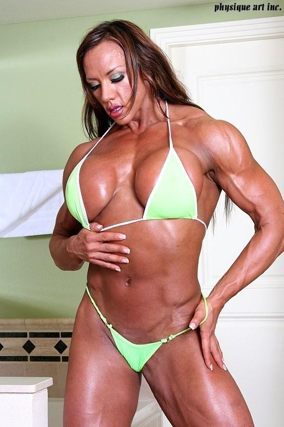 Amber Deluca   Female Bodybuilders are Goddesses
