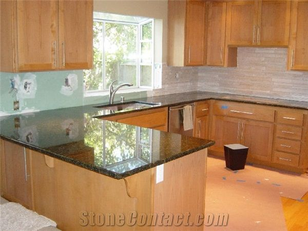 tile backsplash, granite countertop & oak colored ... on Backsplash For Maple Cabinets And Black Granite  id=78525