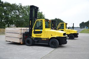 Hyster preview ICE beating forklift - http://www.logistik-express.com/hyster-preview-ice-beating-forklift/