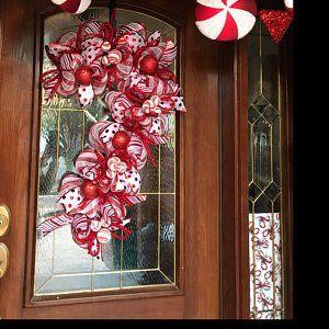 Snowman Christmas Wreath, Snowman Wreath Deco Mesh, Whimsical Christmas Wreath, Deco Mesh Christmas Wreath, Snowman Decor, Snowman Wreath #sunflowerchristmastree