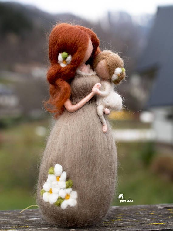 Mother Daughter Figurine - Mother Sculpture - Needle Felted Doll - Mother's Day Gift From Daughter - Felted Wool Dolls -
