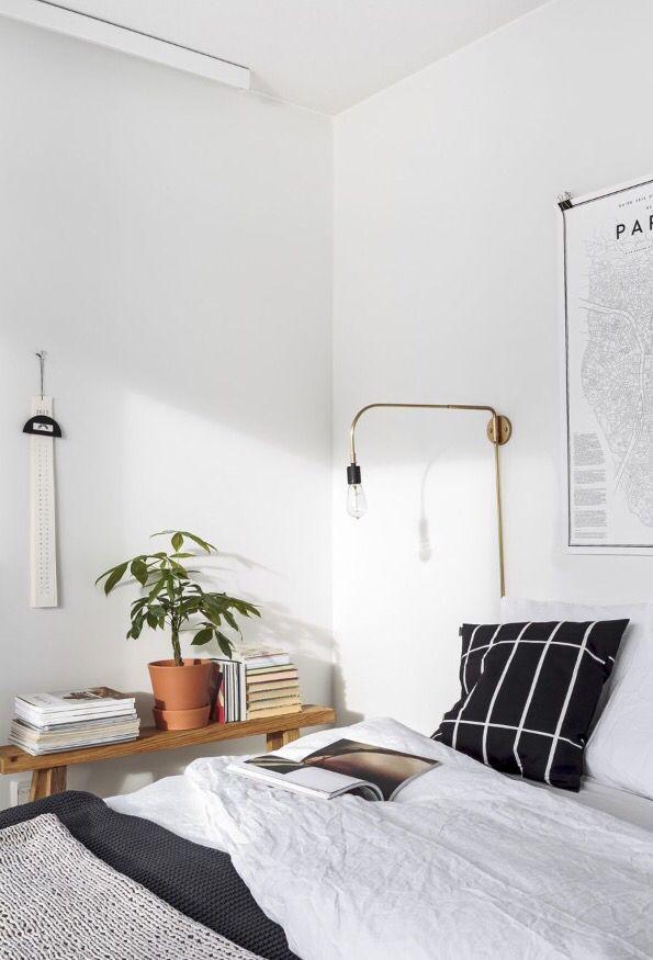 Schlafzimmer mit einem marimekko kopfkissen connox beunique plant decor bedroom plant decor pinterest le chambre devenir et personnalisé