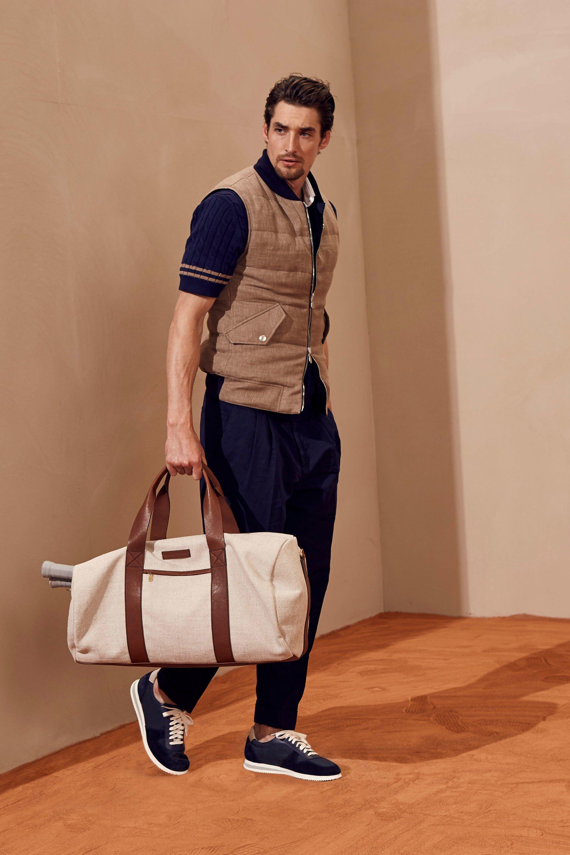 Calça plissada esportiva Brunello Cucinelli. Veja mais tendências de moda  masculina para a primavera verão no blog Marco da Moda 08f49bac034ad