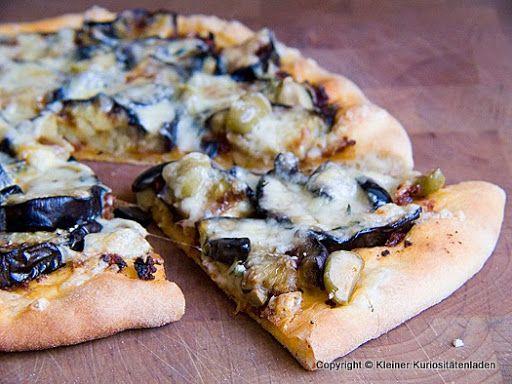 Kleiner Kuriositätenladen: Auberginenpizza mit Oliven
