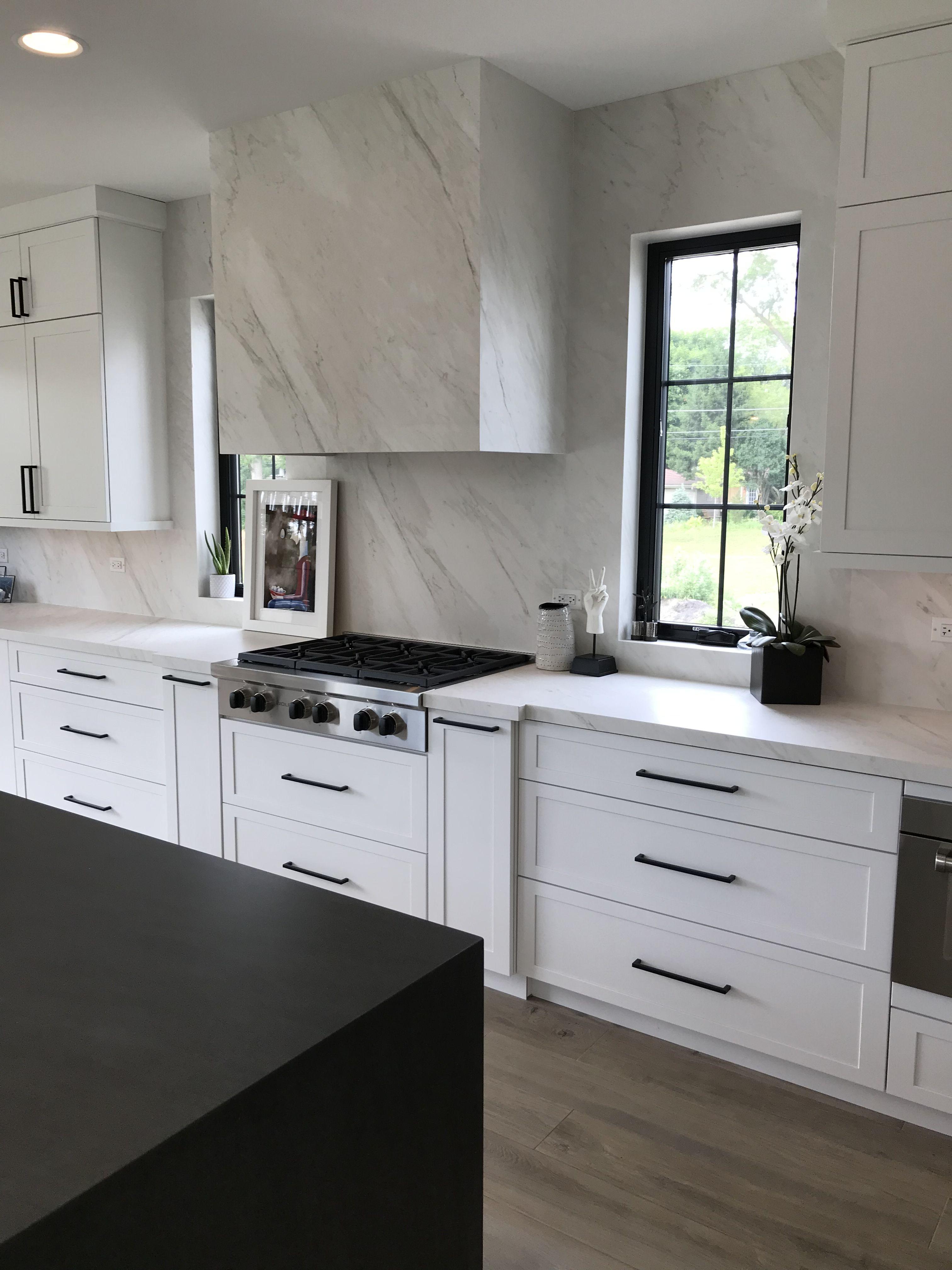 Black & white kitchen. Modern farmhouse. in 2020 White