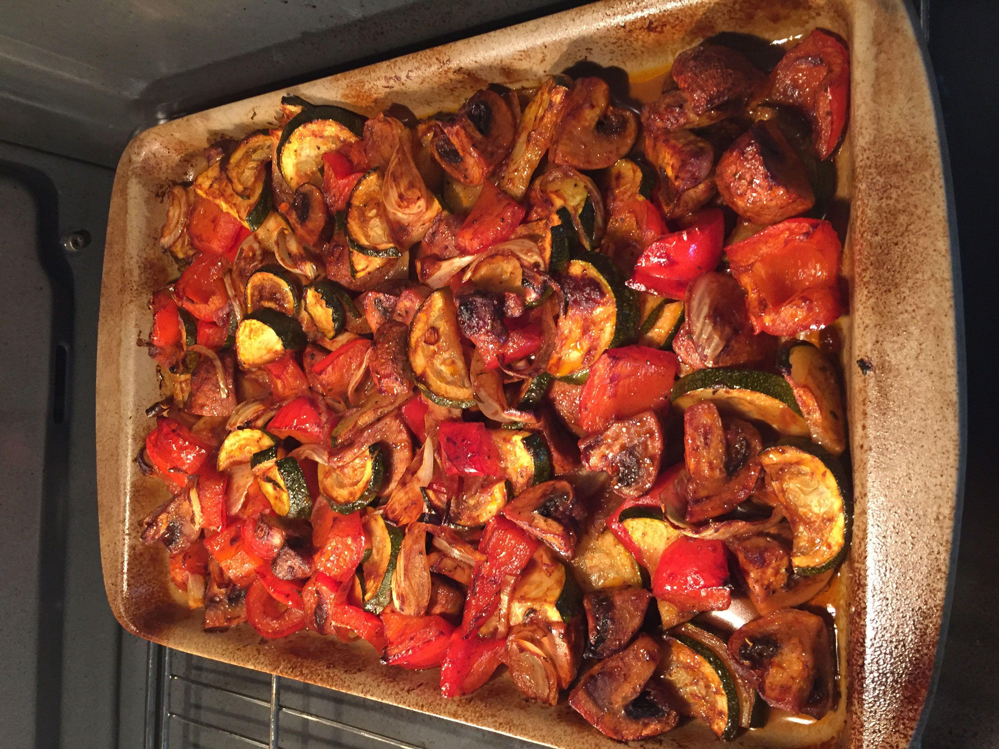 Mediterranes Ofengemüse aus der Ofenhexe oder dem mittleren Ofenzauberer von Pampered Chef
