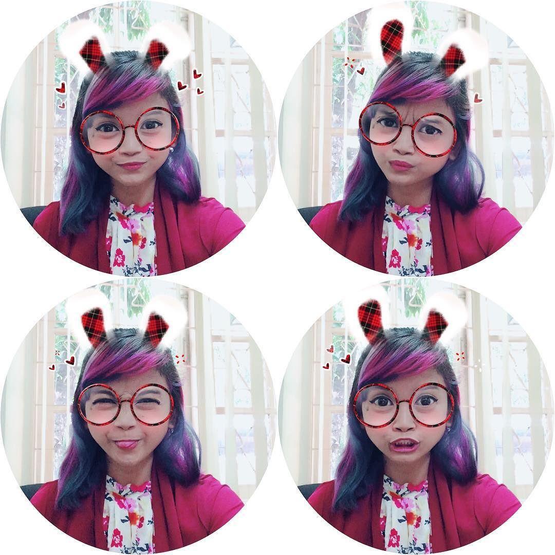 Bahagia Itu Sederhana Ketawa Liat Hasil Foto Selfie Pake Aplikasi Foto Kekinian Ada Banyak Filternya Kuping Kelinci Kacamata Swag Dll Kuping Tertawa Kacamata