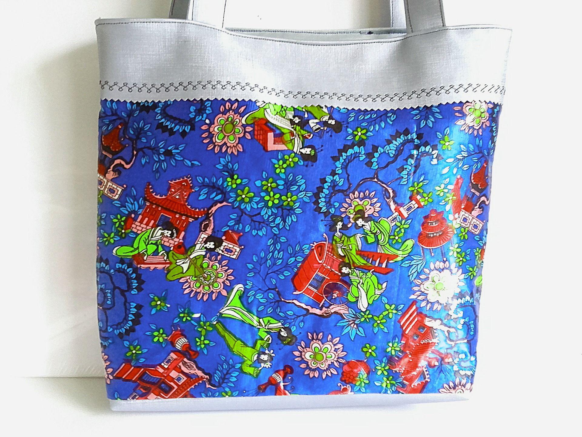 7573fcf820 sac à main forme cabas en tissu japonais satin bleu et rouge, et simili cuir  bleu acier . : Sacs à main par doudous-mad-in-toudou