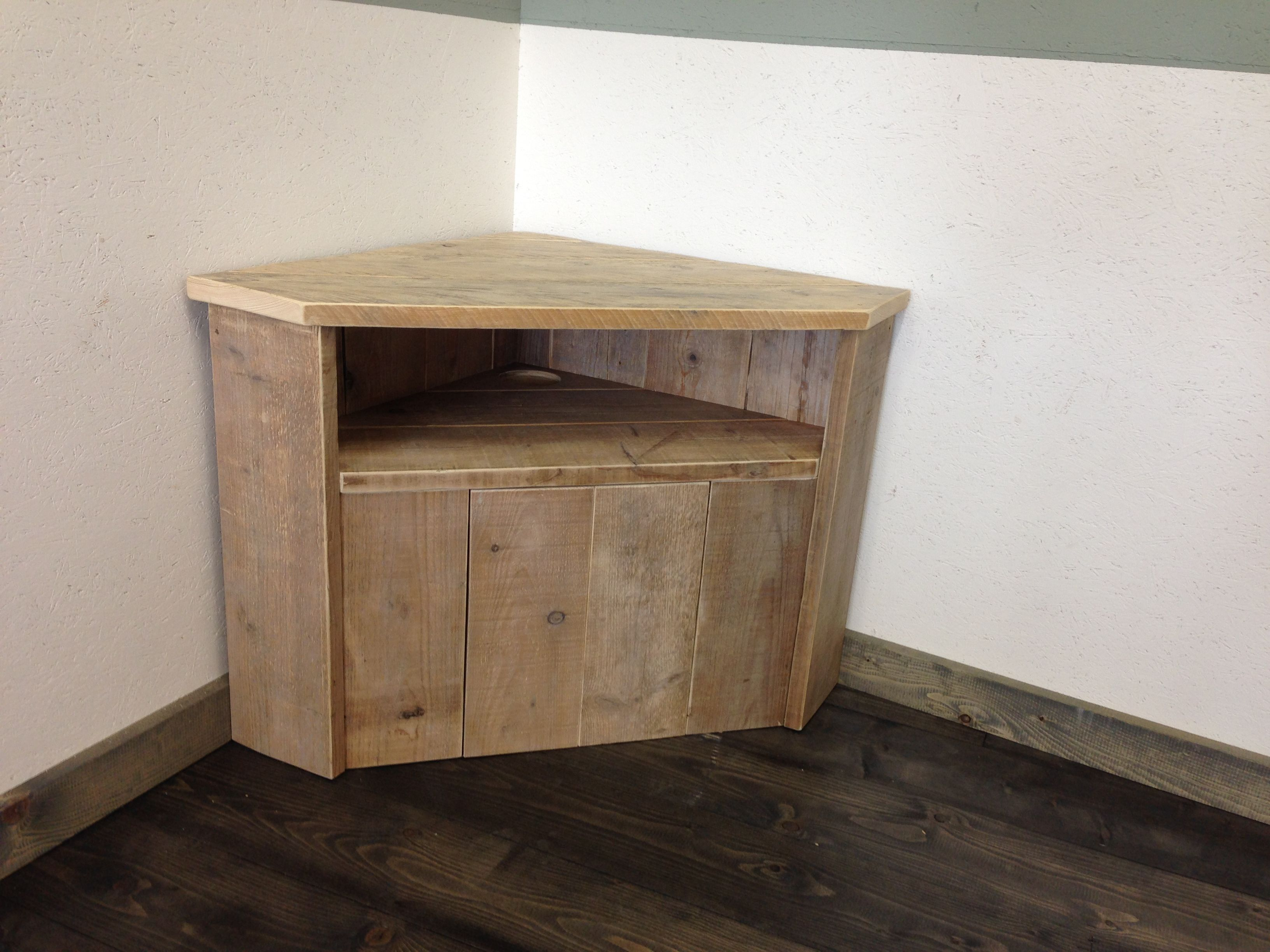 Tv kast hoekkast van oud steigerhout om te onthouden pinterest tv kast tv en kast - Tv hoek meubels ...