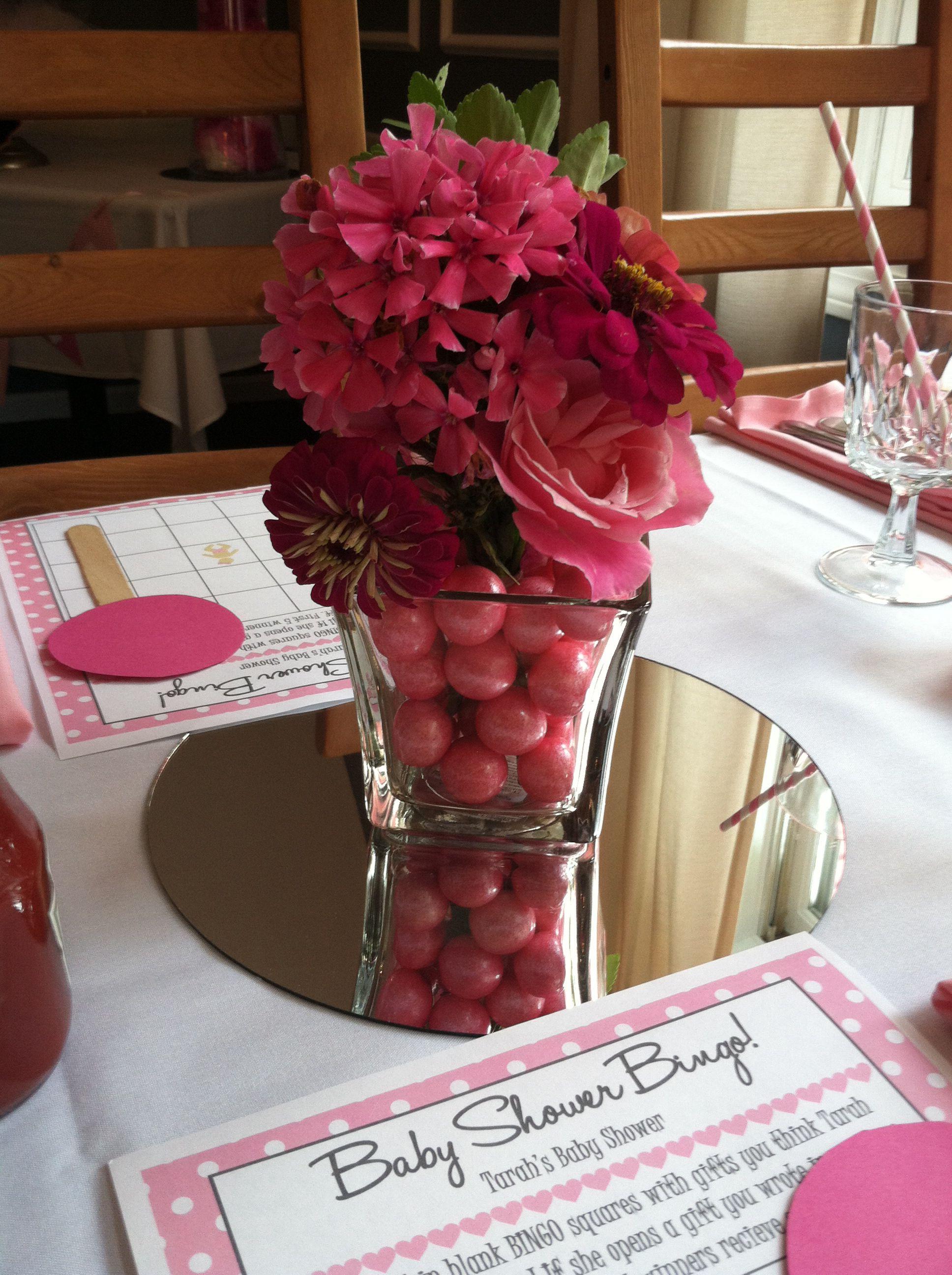 gumball centerpieces with fresh flowers party decor centerpieces rh pinterest com