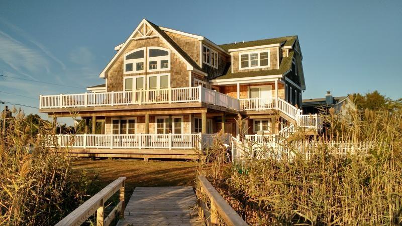 waterfront 10 b r mansion the baybreeze in virginia beach rh pinterest com