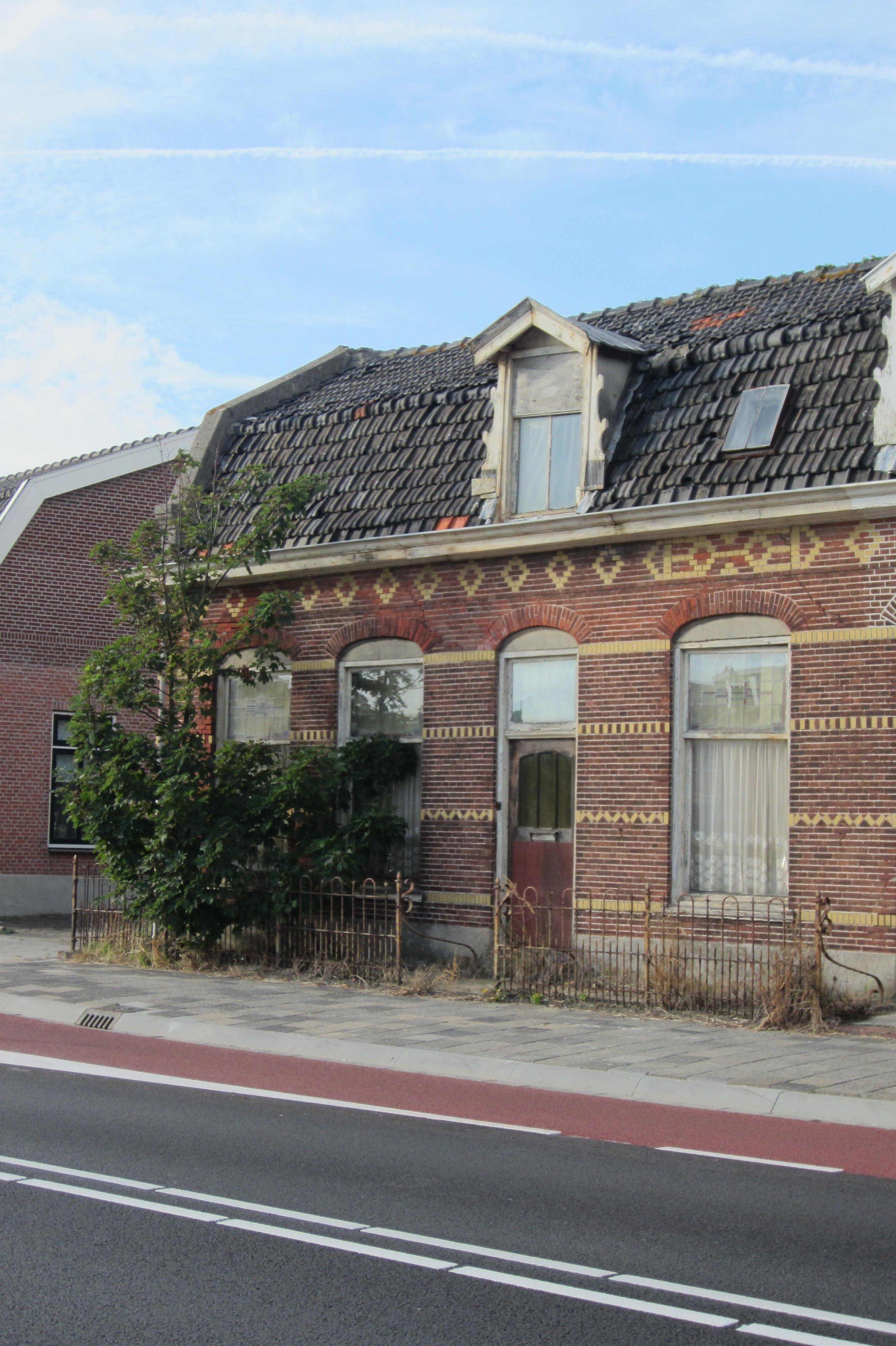 Noordwijk, abandoned but beautiful on mainstreet