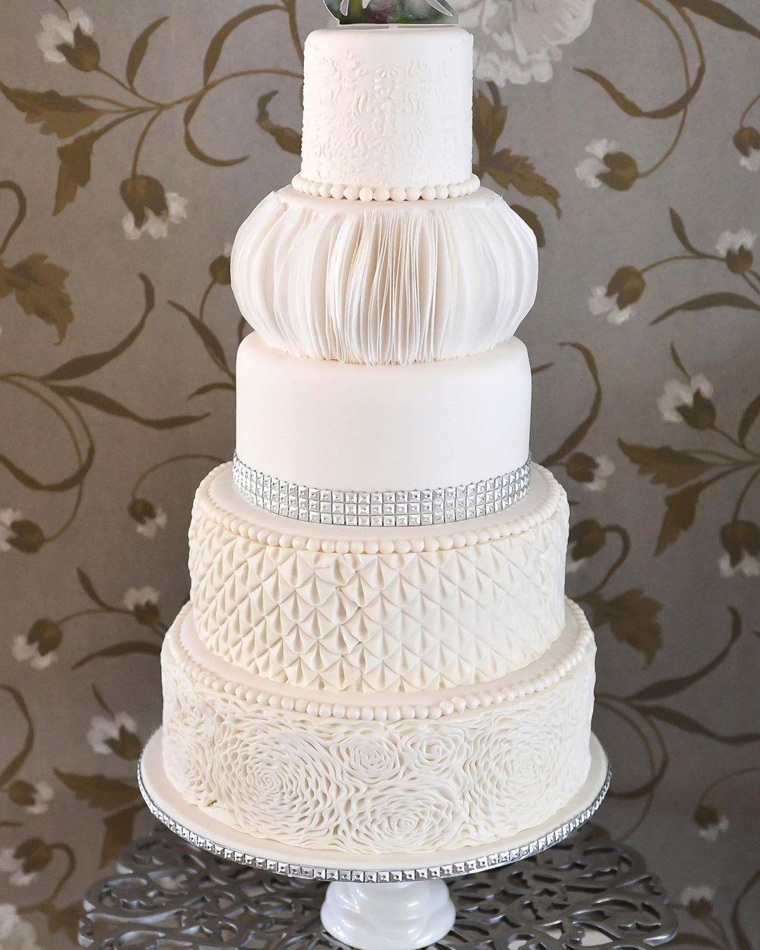 Wedding Cake By Lyndsay Mcewan Of Lulubelles Bakes She Used The