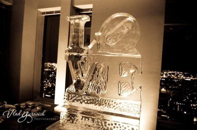 I love this love park ice statue especially for a wedding!!!