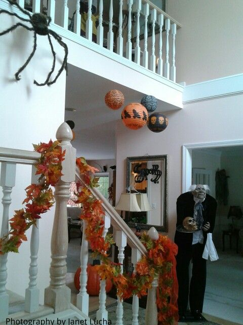 Best Spooky Entryway Garland Your Railings Hang Large Spiders 400 x 300
