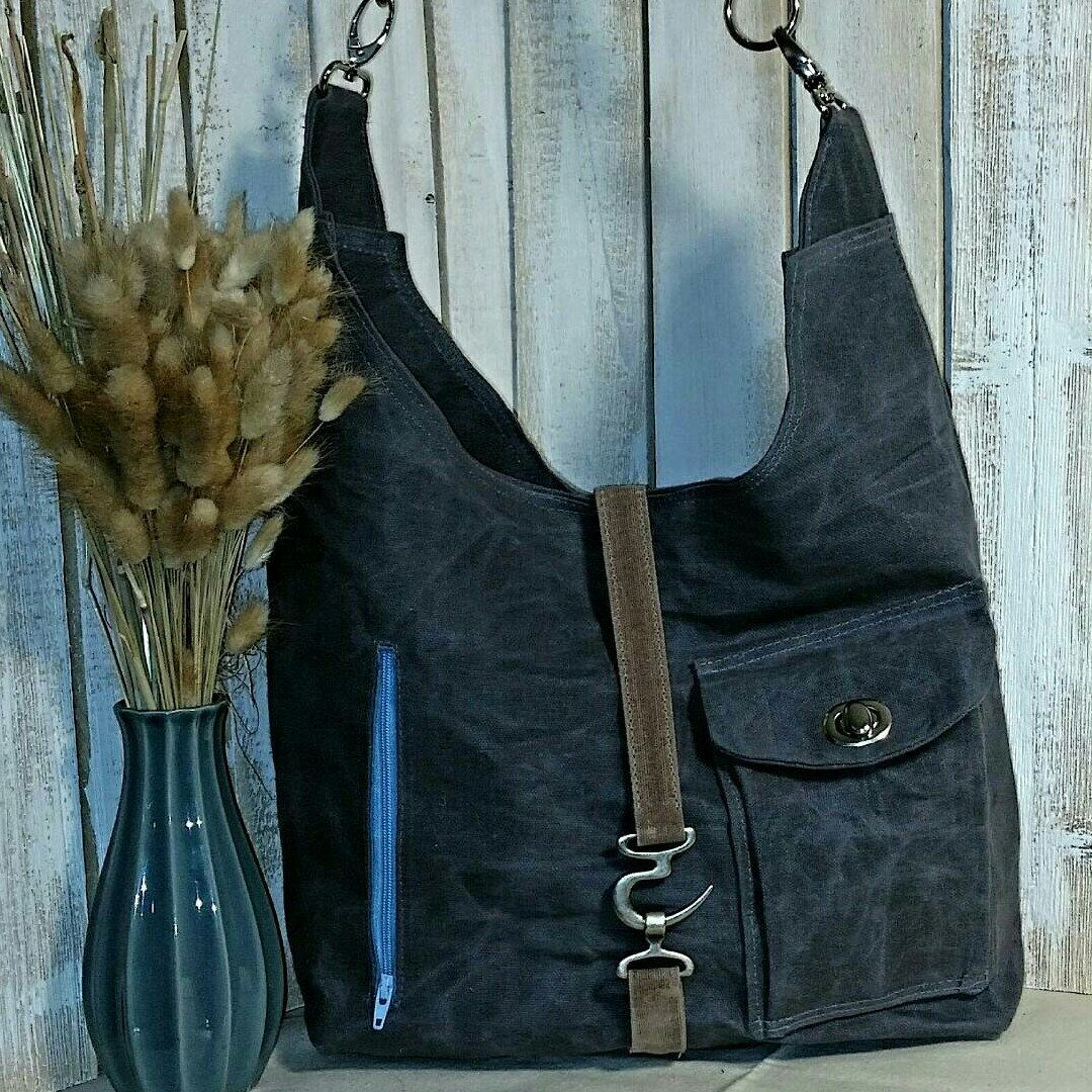 Waxed canvas relaxed shoulder/crossbody bag. A great gift for the holidays