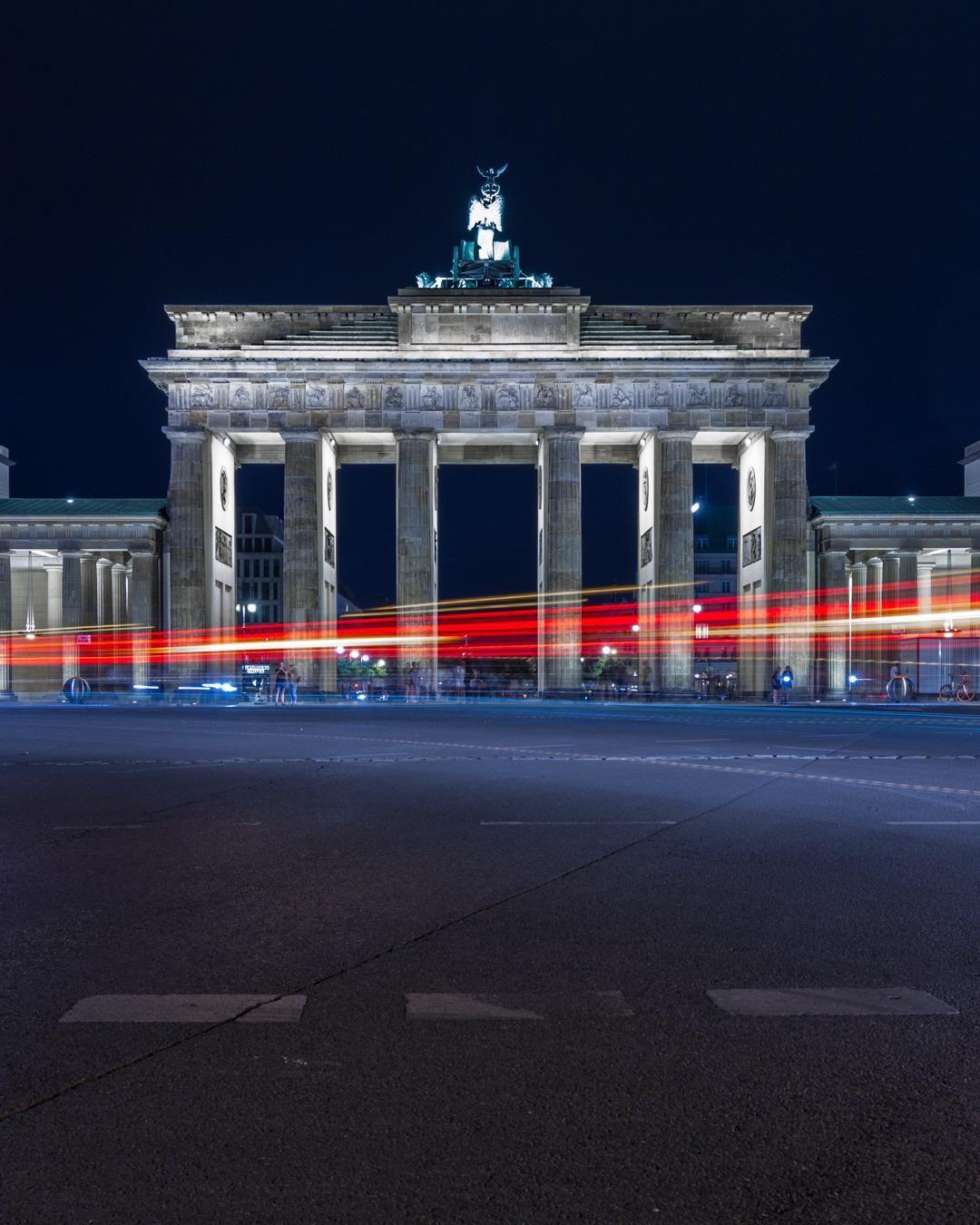 Brandenburg Gate In Berlin At Night 1080x1350 Brandenburg Gate Brandenburg Berlin