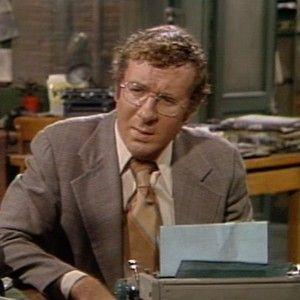 Detective arthur dietrich steve landesberg tv series for Barney miller fish