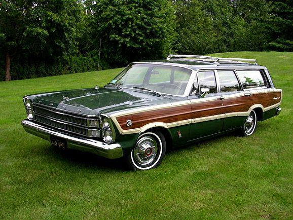 Ford Galaxy station wagon. (1966)