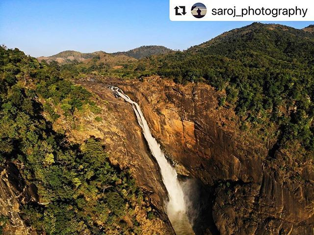 #bhubaneswarbuzz pic courtesy  @saroj_photography  Bird View of DUDUMA WATERFALL KORAPUT ODISHA @djiglobal Mavic Air  Duduma Waterfall Odisha Talking of which there is a waterfall in the Badigada village of Koraput district that is known as one of the highest waterfalls in India Duduma Waterfall. This waterfall finds its origin from the River Machkund and its water is the backbone of the Machkund Hydro Electric Power Project.  #nustaharamkhor #maibhisadakchap #vinod_khapekar #isatyam #travelwith