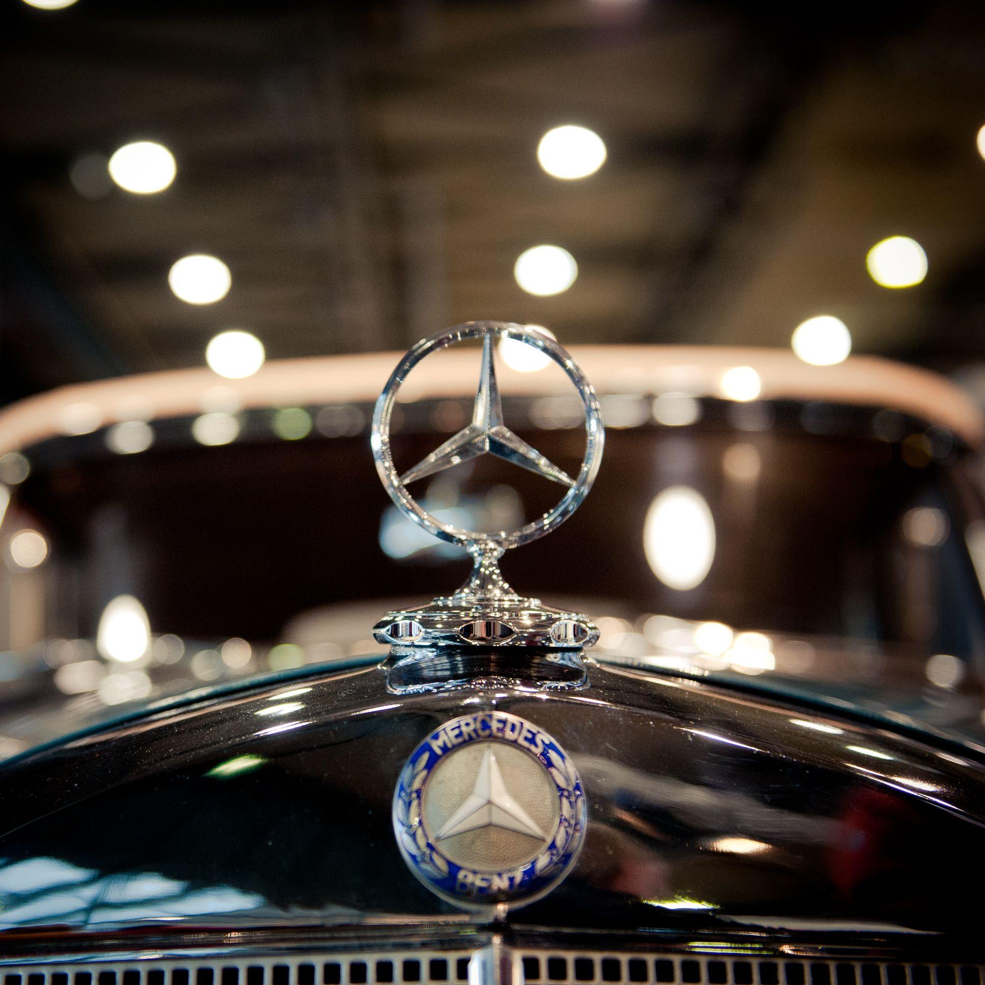 Vintage Mercedes Benz by Jan Gleitsmann