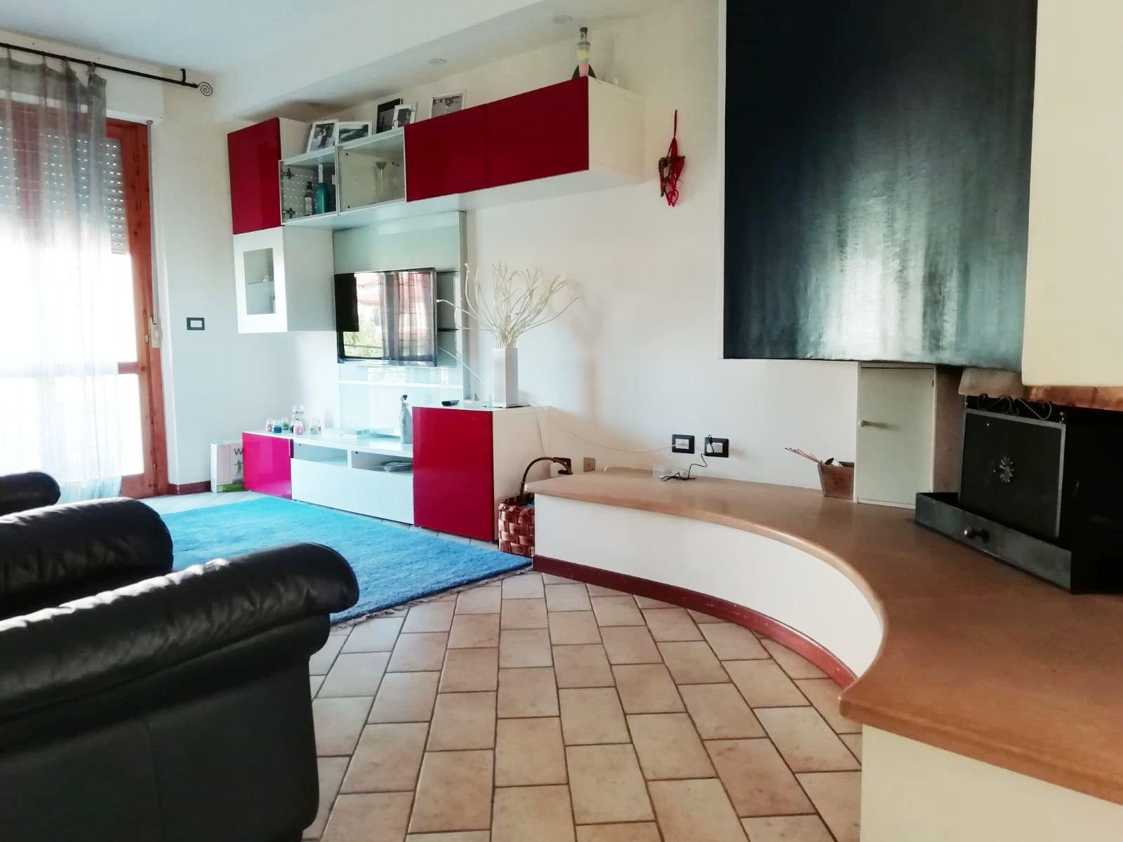 Appartamento con ingresso indipendente e giardino € 160000 ...
