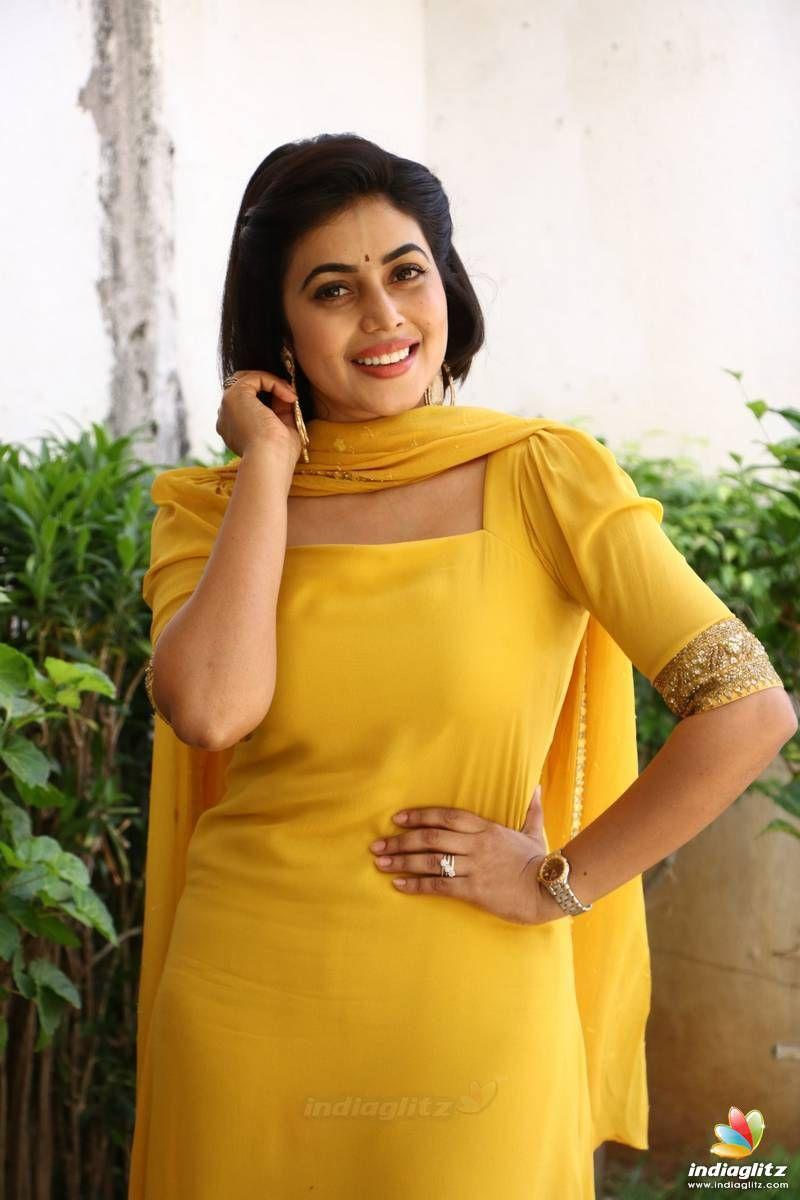 Poorna Indian Designer Outfits Indian Actresses Tamil Actress Photos