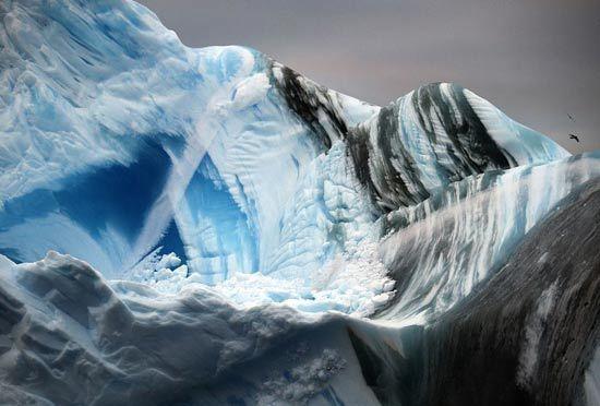 העולם שמתחת לקרחונים / מתוך: The Daily Mail
