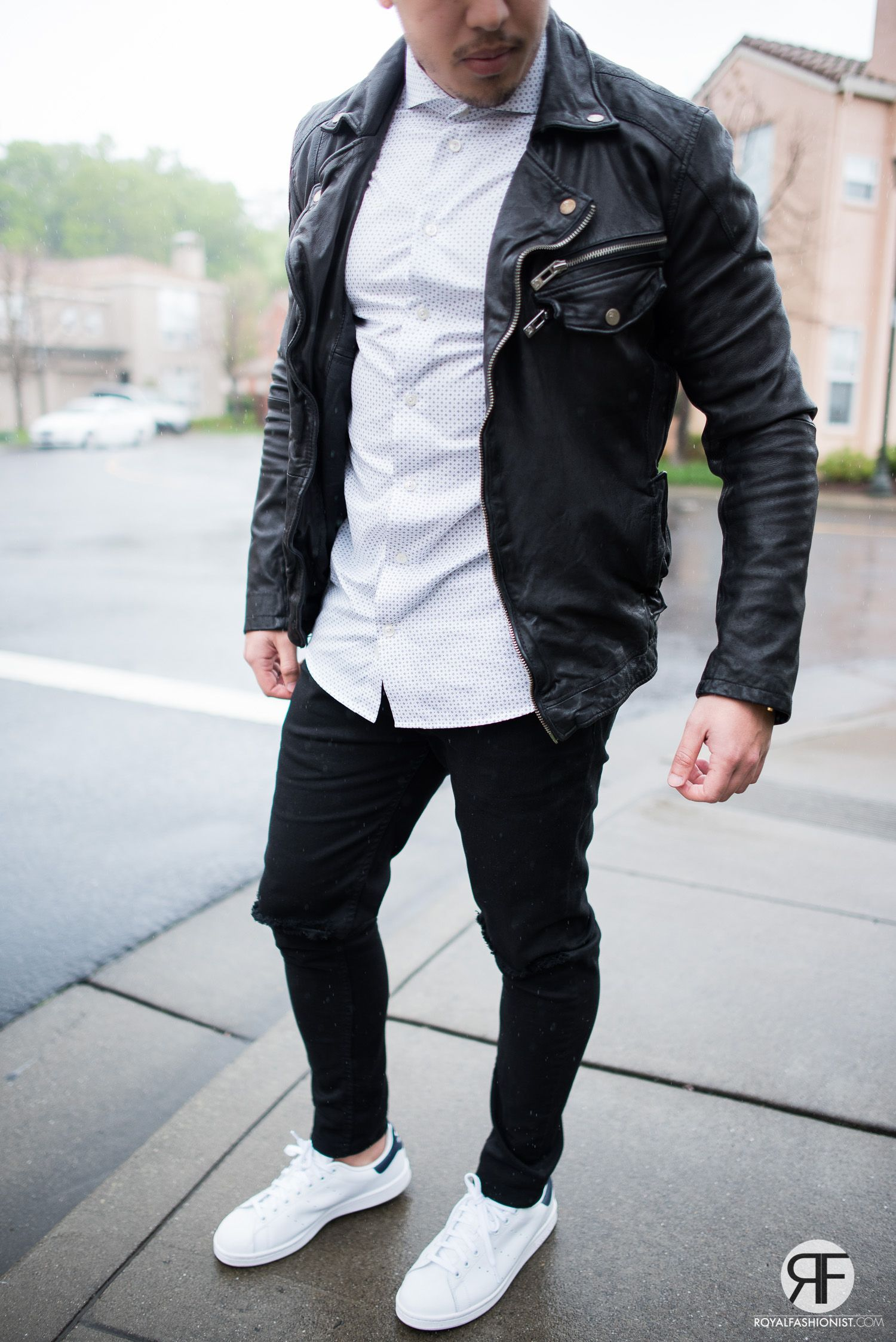 Men S Outfit Idea White Shirt Leather Jacket And Destroyed Jeans Royal Fashionist Urban Style Outfits Mens Fashion Urban Mens Outfits [ 2247 x 1500 Pixel ]