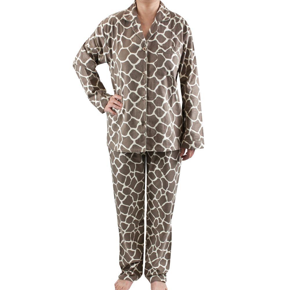 1372b61cf039 Leisureland Women s Giraffe Print Brushed Cotton Pajama Set