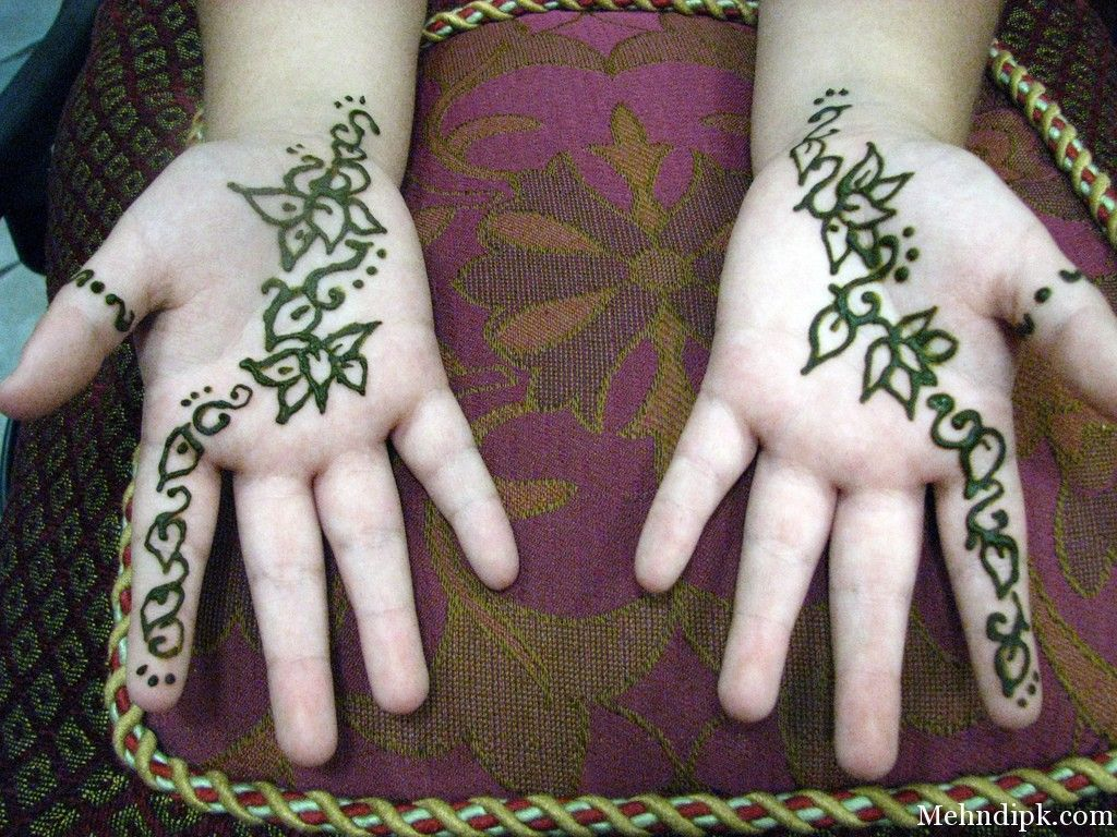 Apply Mehndi Hands : Kfoods offers a variety of latest mehndi patterns for children