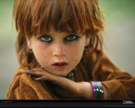 Little Pashtun girl from the tribal area.  from http://pastmists.wordpress.com/