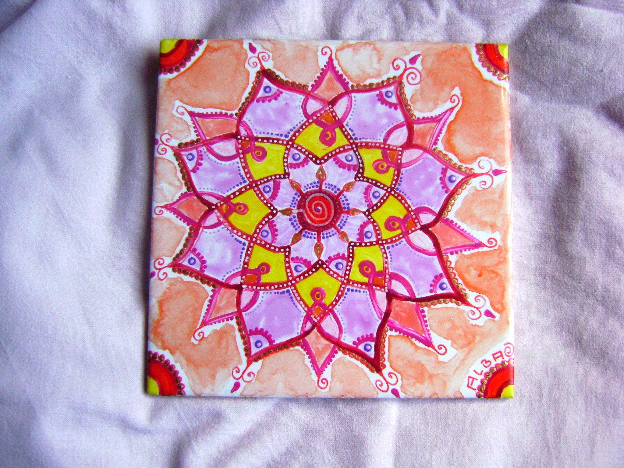 Pittura Su Piastrelle Di Ceramica : Mandala su piastrella piastrelle dipinte a mano