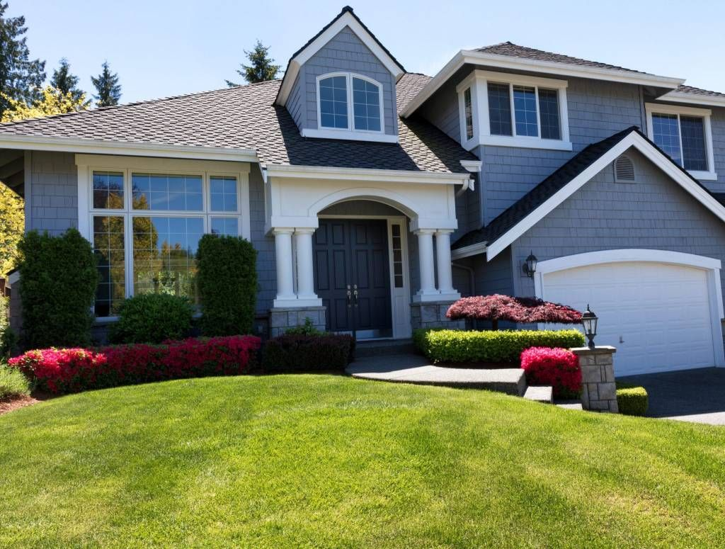 Turn To Our Pros At Jw Synthetic Grass For Professional High Quality Lawn Painting And Pressure Washing Servi Exterior Painters House Painting House Exterior