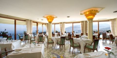 Hotels, Apartments In Sorrento. Stays On The Sorrento Peninsula, Located  Hotels In Sorrento.