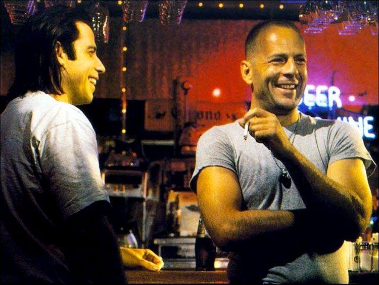 12 Rare Photos Of Actors Laughing Between Scenes