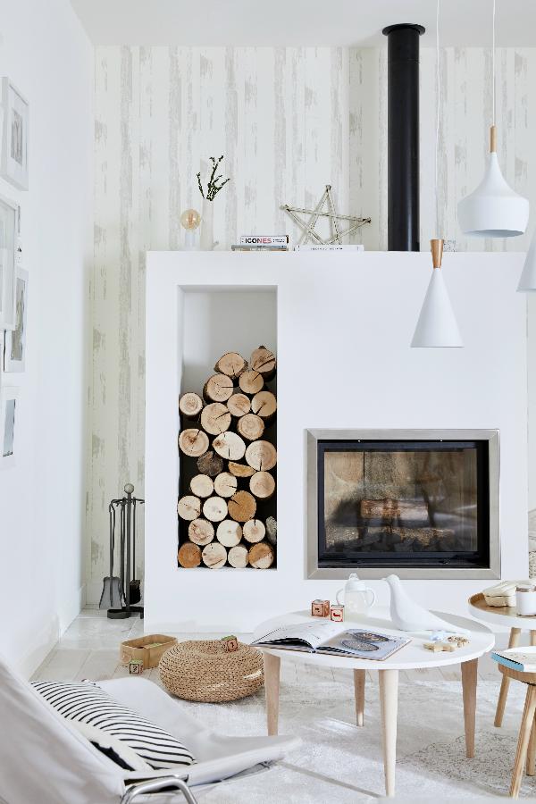 Peinture blanche pour des murs et plafonds immacul s avec - Peinture pour hotte de cheminee ...