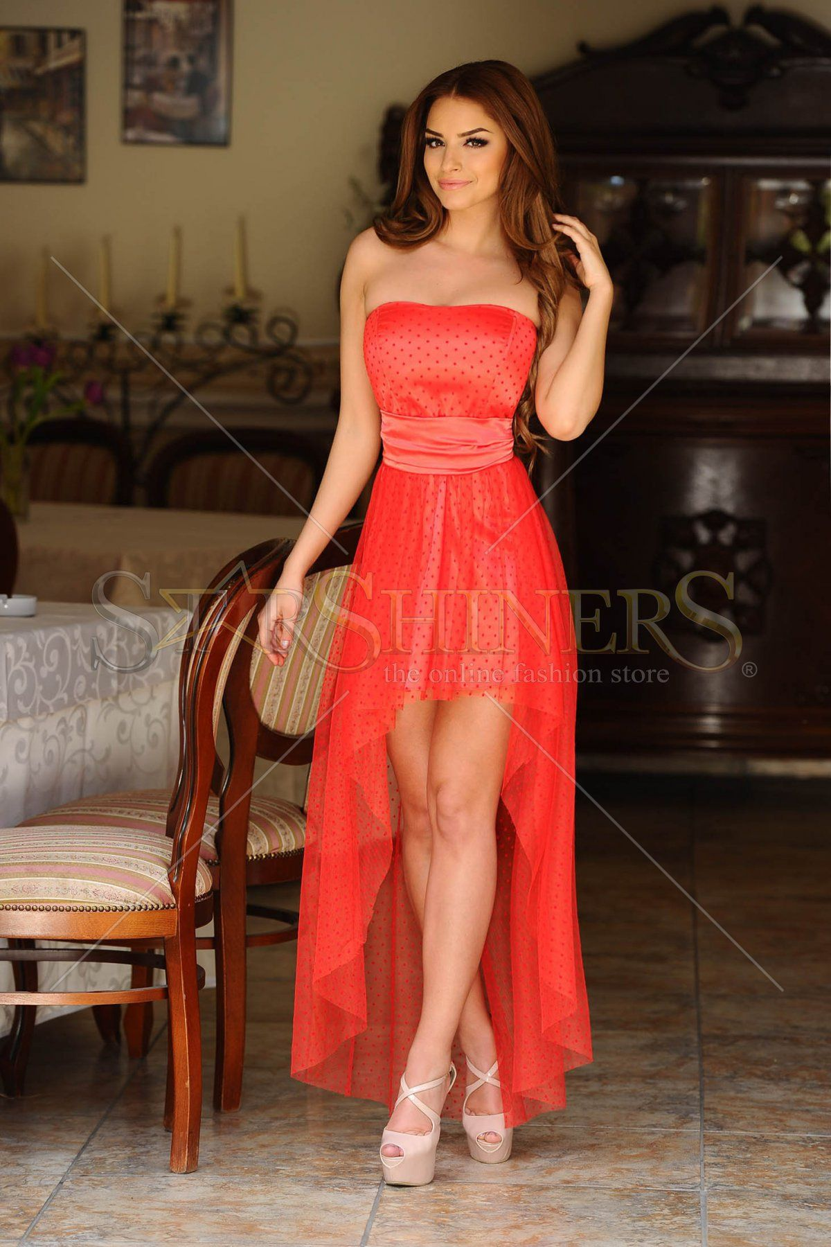 6b10022f8a Pánt nélküli ruhák: a 2015-ös nyár szenzációi   StarSBlog - StarShinerS  Blog - Your Home of Fashion - Légy különböző!