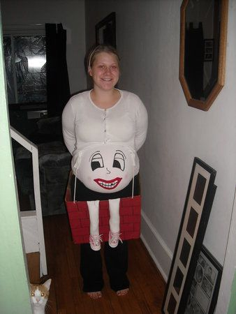 13 halloween costumes for pregnant moms - Pregnant Mom Halloween Costume