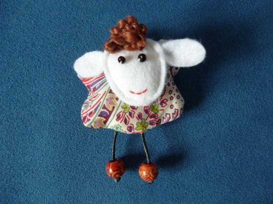 Broche ovejita