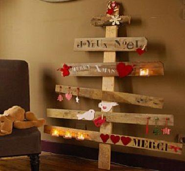 Sapin de Noël en bois : 10 DIY déco pour s\'inspirer