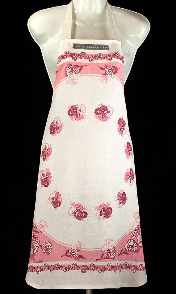 This pretty little number, repurposed from a vintage tablecloth, will have you looking fresh and feminine in the kitchen. Its soft cotton has