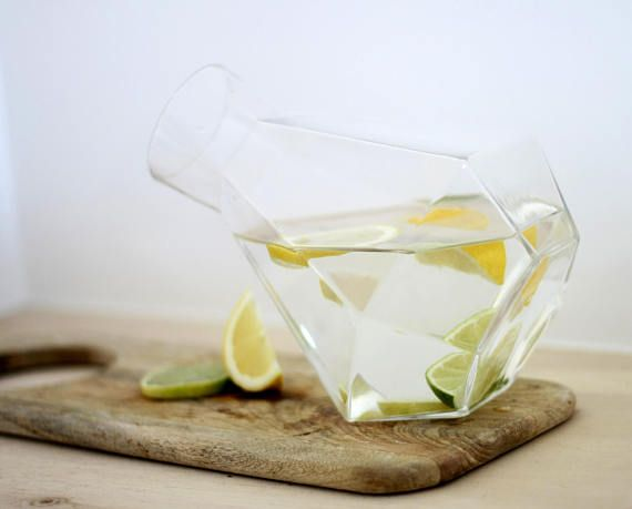 RARE – Puik – Design – Amsterdam – Carafe – Glas – Glassblowing – Diamond – Water – Wine – Whiskey – Geometric – Handmade – Restaurant