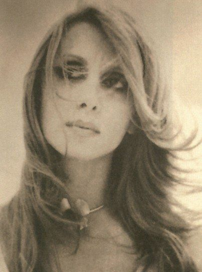Fairuz The Most Widely Admired And Deeply Respected Lebanese Singer In The Arab World Arab Celebrities Old People Love Beauty