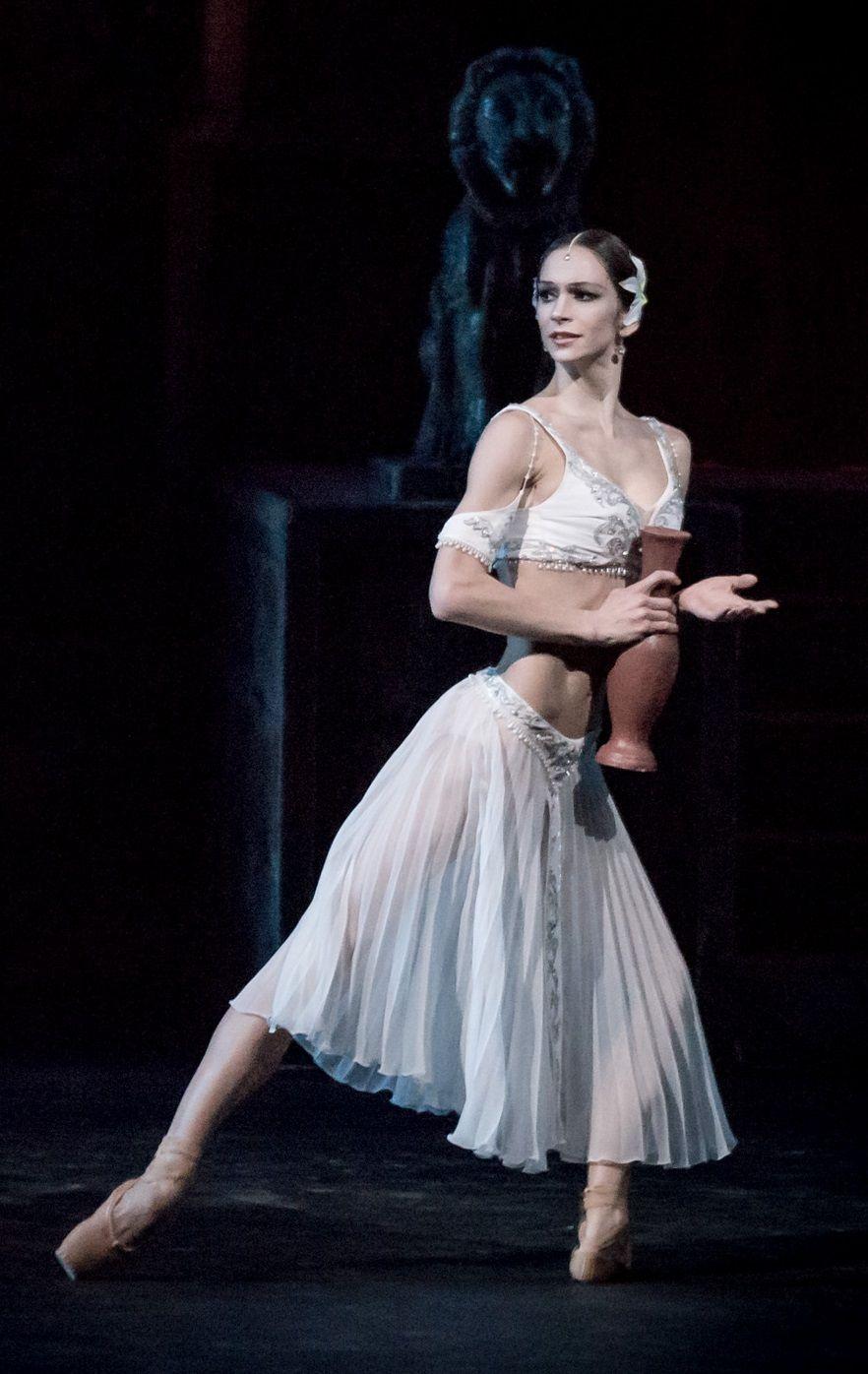 полина ижорская балерина фото сейчас сколько лет достаточно для работы