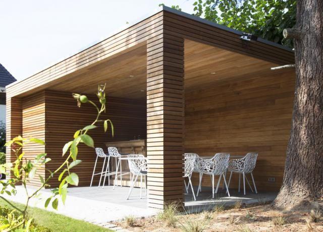 Overdekte Zithoek Tuin : Strakke poolhouse met berging en overdekt terras zithoek tuin