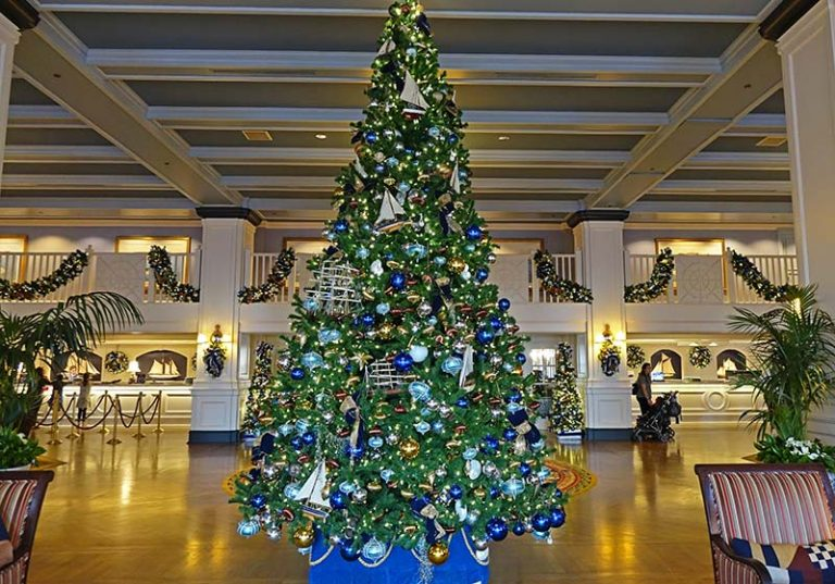 Our Favorite Disney World Resort Christmas Decorations Christmas Decorations Disney World Resorts Disney Hotels