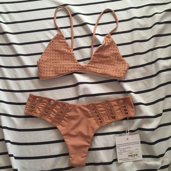 $160Ⓜ️ Acacia Mesh Topless Na Pali + Chuns Set Topless Na Pali top with Haupia lining: EUC-excellent used condition / no flaws / size xs (best fitted on A cups)  Topless Chuns: BNWT / no flaws / size small (fits an xs better)  $165 shipped on Ⓜ️erc acacia swimwear Swim Bikinis